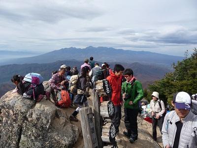 瑞牆山頂から八ヶ岳.jpg