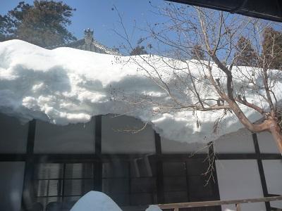 軒先の雪.jpg