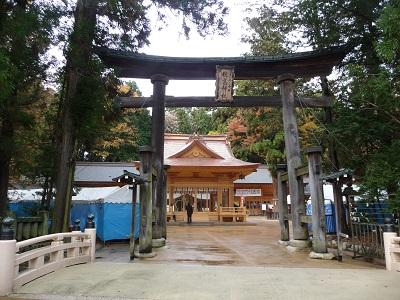 穂高神社神楽殿.jpg